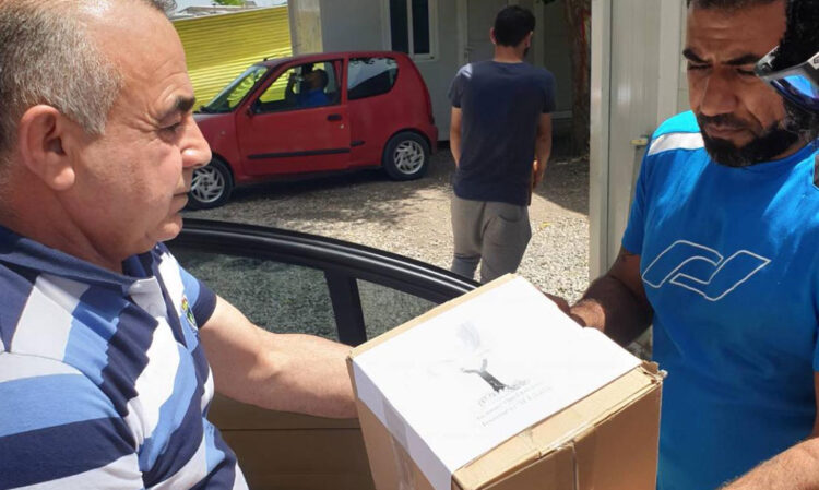 Προσφορά ιατρικού υλικού σε πρόσφυγες και μετανάστες